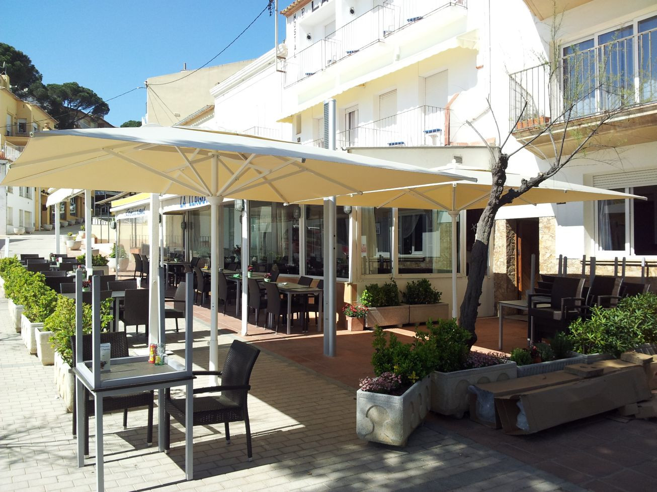 parasols professionnels de terrasse restaurant h tel luxe gaggio. Black Bedroom Furniture Sets. Home Design Ideas